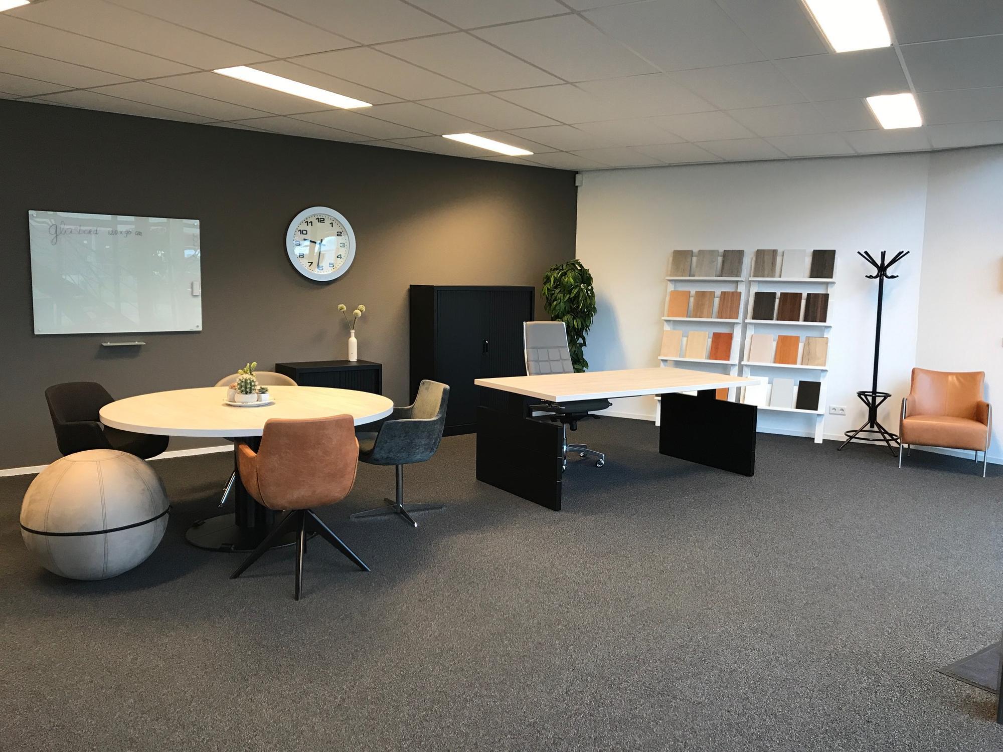 Office Image Kantoormeubelen.Nieuw En Gebruikt Kantoormeubilair Timmer Kantoormeubelen