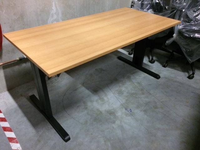 Schreibtisch tisch und wandbücherregal bureau